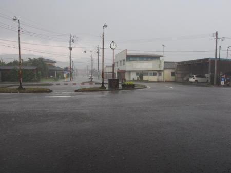 Z8120270駅前通り.JPG